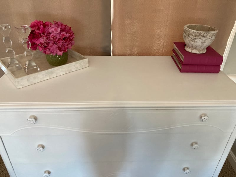Newly Refinished Solid Wood 3 Drawer Dresser - White dbb16794-9c2d-457b-8384-550139881608