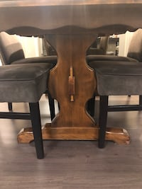Solid wood table- great condition! Vaughan, L4J 7S5