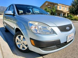 LIKE NEW 2008 RIO 5 ! LOW MILES! CLEAN TITLE!