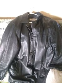 ladies leather jacket size large missing one button Louisville, 40272
