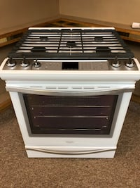 WHIRLPOOL GAS RANGE - CONVECTION- WARRANTY Pittsburgh, 15216
