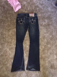 Woman's true religion jeans Edmonton, T5X 5C4