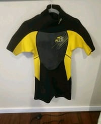 Shorty Fluid wetsuit size small Nanoose Bay, V9P 9G1