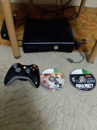 xbox 360 with 3 games and 2 controllers Des Moines, 50317