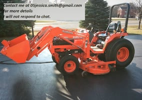 2OO1 Loader Kubota Tractor B2710HST 4x4 This tractor is hydrostatic and 4 wheel drive. Tractor has 320 hours