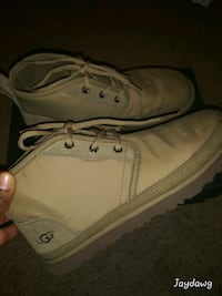 Size 7 mens uggs
