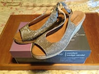 NEW with tags-  sandals - size 8.5 lanesboro comfort wedge sandals Manchester, 03104