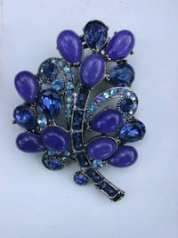 Lilac brooch Washington