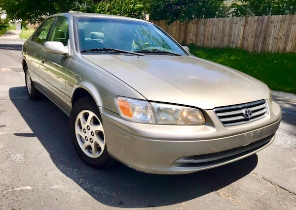 Classic Year 2000 Toyota Camry / Clean Vehicle