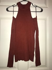 Maroon scoop-neck sleeveless top Calgary, T1Y 3V2