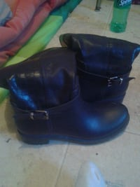 Black winter boots  Winnipeg, R2W 2H5