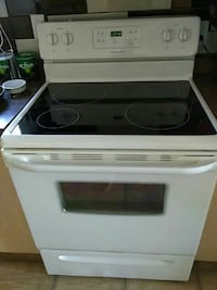 white and black induction range oven Montreal, J4S