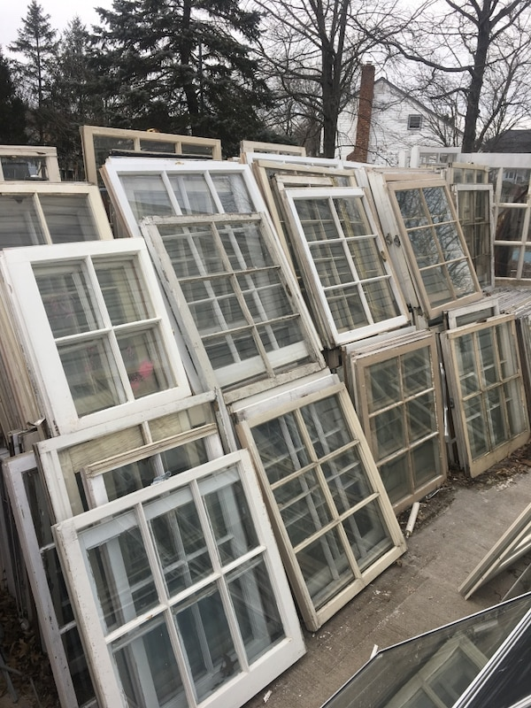 Vintage wooden windows for diy projects! 0a6c9ac4-613b-4bfd-be3f-66933f24bfd5
