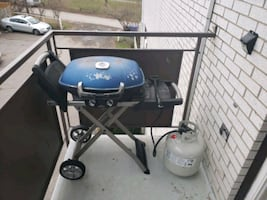 Bbq with tank