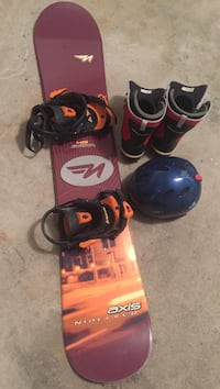 Nidecker snowboard with size 7 boots and helmet