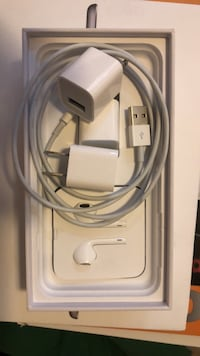 New. OEM apple usb cord and apoplectic charging cube Temecula