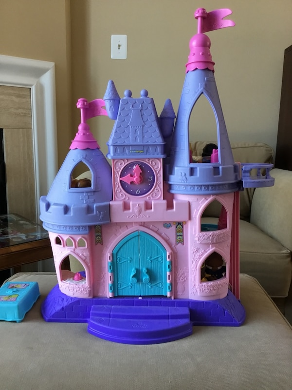 Fisher Price Little People Disney Princess Castle with Figures