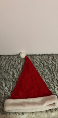 Santa hat in great condition  Burnaby, V5A 2R7