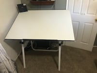 Adjustable drafting table  Norco, 92860
