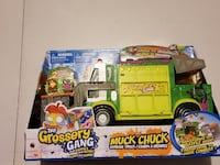 The Grossery Gang Series 3 Muck Chuck Garbage Truck Playset	 Milton