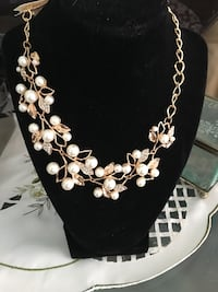 silver and white pearl necklace Spring Hill, 34608