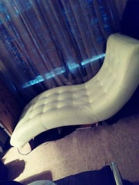 Cream leather chaise lounge chair   Hyattsville