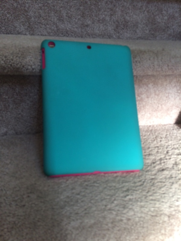 pink and gray iPad case 1
