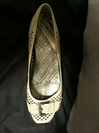 Beige leather flat shoes Fort Lauderdale, 33311