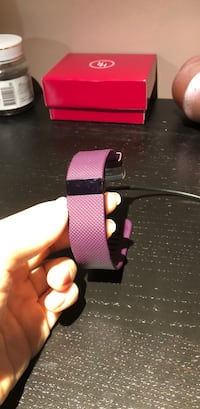 fitbit mint condition,pick up in Guelph Guelph, N1G 1W9