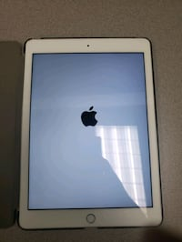 Apple iPad 5th Gen Silver  - 128GB