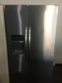 KitchenAid Side by Side Stainless  2370 mi