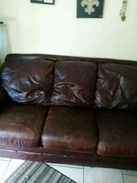 Leather couch Kenner
