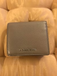 Michael kors small wallet 3751 km