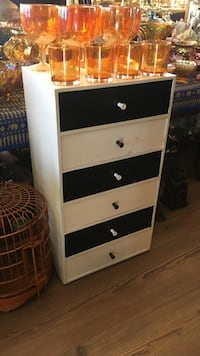 Small wooden dresser/stand  Calgary, T2Y