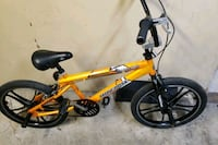 Moon goose bike  gold---blk ready to ride  Chicago, 60651
