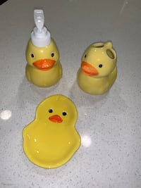 Adorable never used rubber ducky bath set! San Diego, 92123