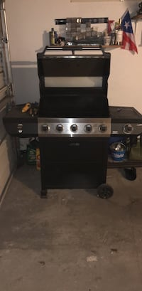 black and gray gas grill Chicago, 60641