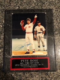 Pete Rose signed Plaque, great condition