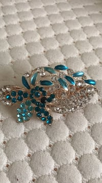 Gold teal gemstone hair clip Alexandria, 22315