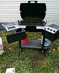 Charcoal and propane grill  Lenoir City, 37771