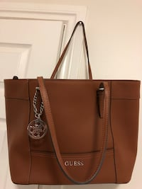 Guess Shoulder Bag  Coquitlam