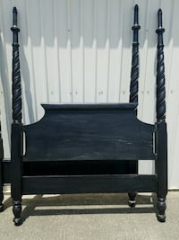 Stately Queen size distressed black bed Baton Rouge, 70816
