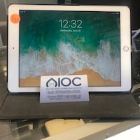 iPad 5th gen 32 gb North Las Vegas, 89081