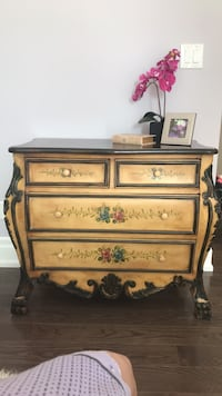 brown wooden 3-drawer chest Whitchurch-Stouffville, L4A 4Y1