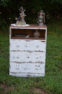 Distressed small chest of drawers  Jefferson, 30549
