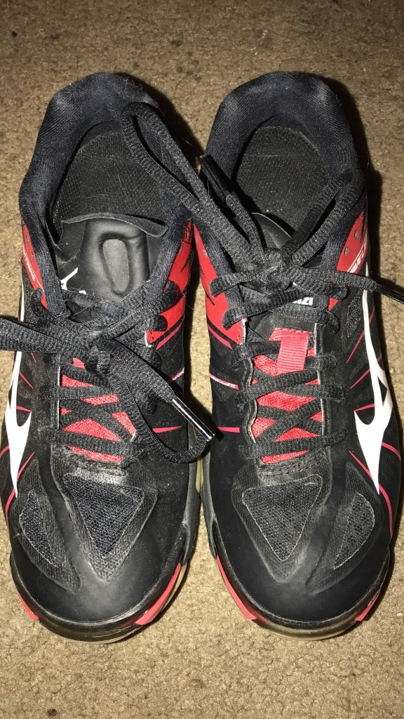 mizuno volleyball shoes second hand queen size