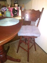 Beautiful bar table with two matching stools  Clovis, 93612