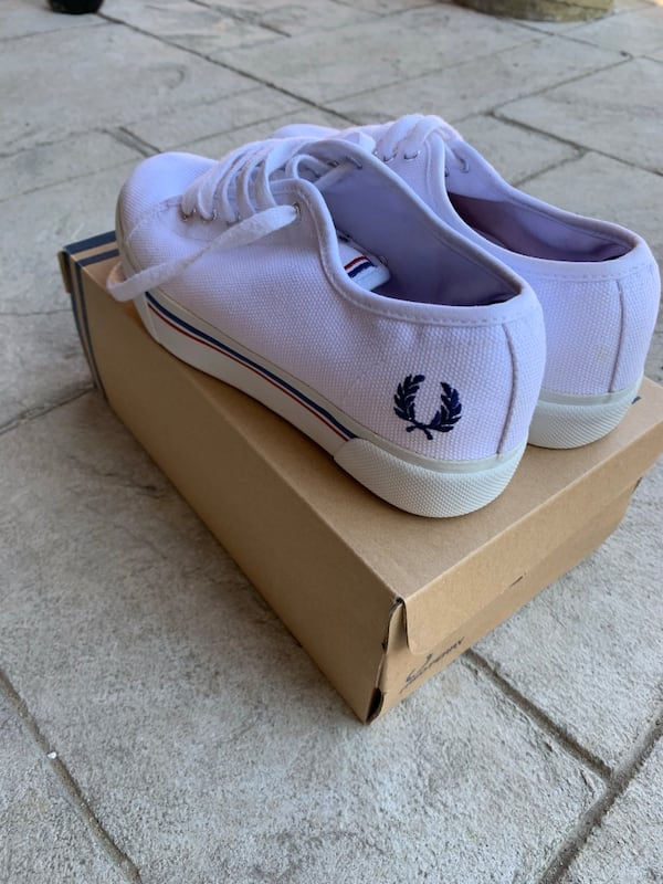 Fred Perry Phoenix Flatform size 7 4