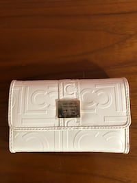 White leather bi-fold wallet