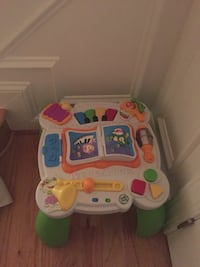 Baby's white and green activity table Fairfax, 22030